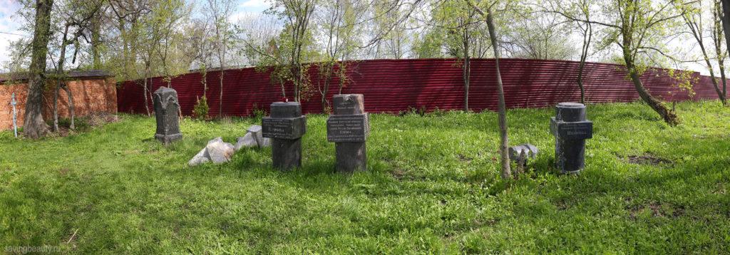 Кладбище Петропавловского монастыря