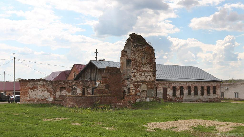 Успенская церковь Петропавловского монастыря