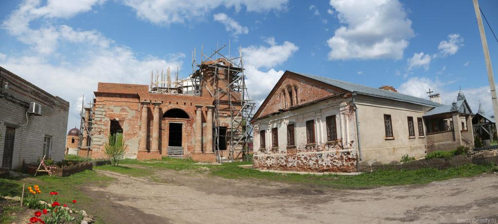 Вид на Петропавловский собор с южной стороны